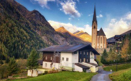 Jugendgästehaus Heiligenblut am Großglockner im Herbst