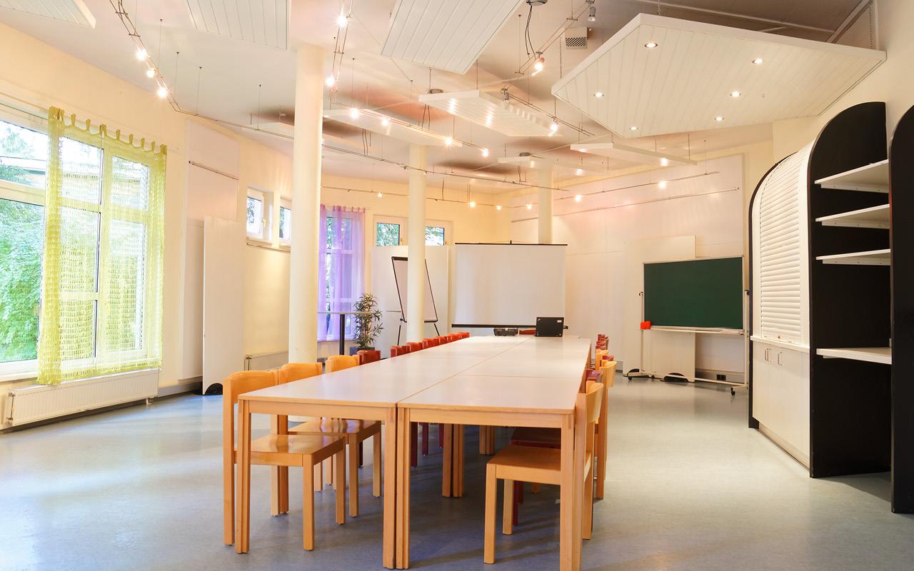 Jugendgästehaus Klagenfurt Seminarraum Galerie - © Christoph Sammer