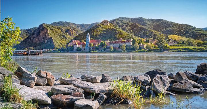 Jugendherberge Krems Ausblick auf Dürnstein - © Christoph Sammer