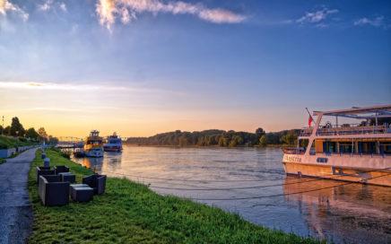 Krems Donauufer Schifffahrt - © Christoph Sammer