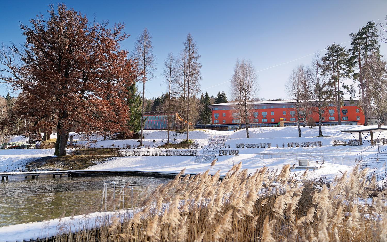 Jugendgästehaus Velden Cap Wörth Gelände Winter - © Christoph Sammer