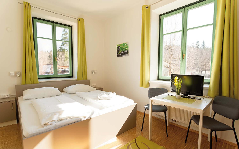 Jugendgästehaus Velden Cap Wörth Komfort 3 Bettzimmer - © Christoph Sammer