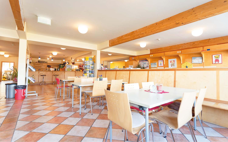 Jugendgästehaus Velden Cap Wörth Cafe Bar - © Christoph Sammer